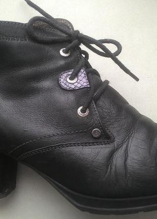 Кожаные ботинки от softwaves