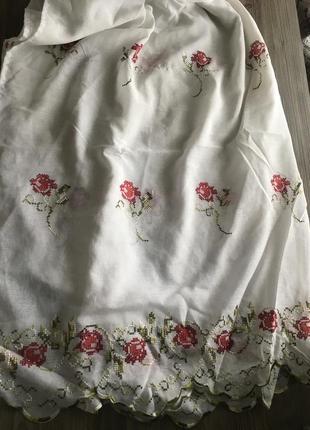 Гардина с вышивкой цветами