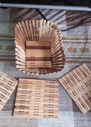 Деревянный комплект - фруктовница и три подставки под горячее.