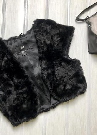 Чёрная меховая жилетка h&m на девочку