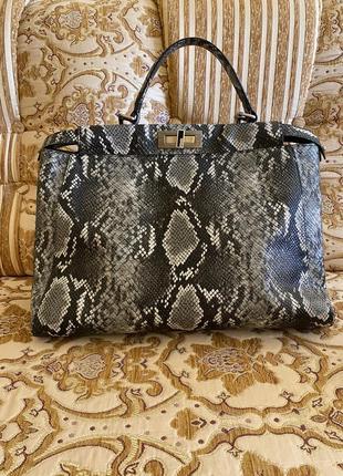Сумка из натуральной кожи  в подарок ещё одна кожаная сумка