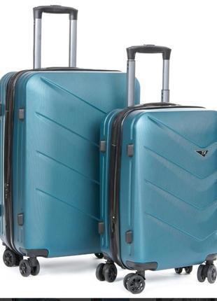 Abs пластикова дорожня валіза на 4-х колесах (комплект)