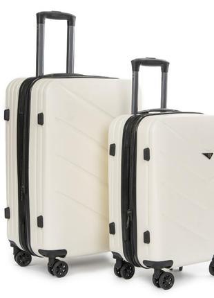 Abs пластикова дорожня валіза на 4-х колесах (комплект).