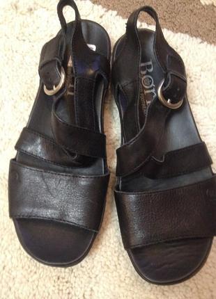 Кожаные и безумно  удобные сандалии born