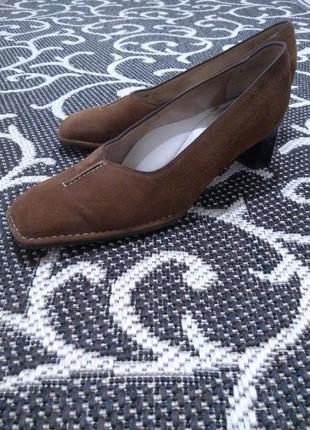 Фирменные туфли женские замшевые ara