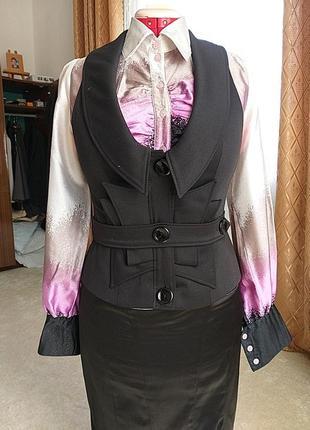 Блуза и жилетка