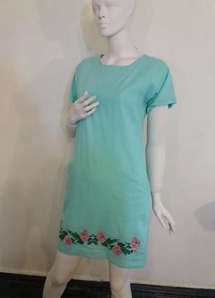 Платье льняное с вышивкой гладью
