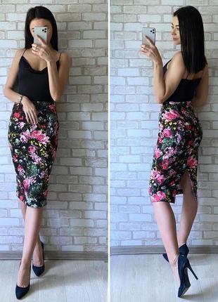 Стильная юбка миди в цветочный принт