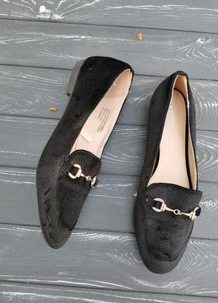 Велюровые туфли лоферы