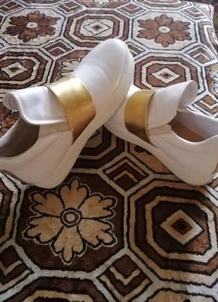 Модные и очень стильные кросовки