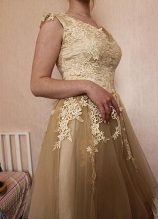 Нереально красивое платье с дорогим кружевом