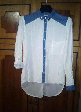 Шикарная комбинированная блуза с джинсовыми вставками и стразами bershka