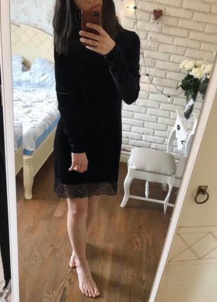 Шикарное бархатное платье с кружевом от champagne sparkles🖤.