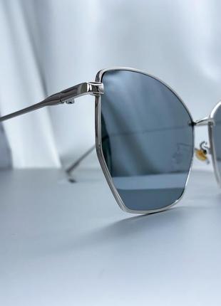 Солнцезащитные очки серебристая оправа