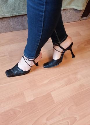 Англия. шикарные, стильные, красивые, кожаные сандалии, босоножки сабо, шлепанцы.