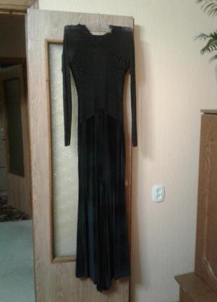 Шикарное новое платье в пол!очень сексуальное,и красиво подчеркивает фигуру