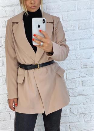 Шикарный удлинённый пиджак свободного кроя
