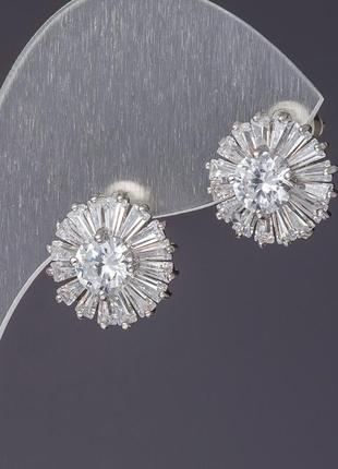 Серьги с белыми кристаллами
