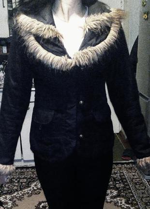 Утепленая демисезонная приталенная курточка на синтепоне  м