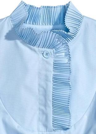 Необычная блуза с воротником стойкой