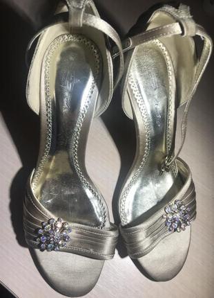 Нарядные туфли танцы или выход