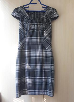 Платье-футляр oodji. в подарок к платью два гольфа сеточка: белый и черный.