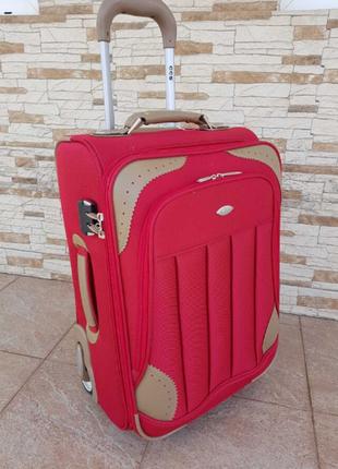 Маленький турецкий чемодан на двух прорезиненных колёсах фирмы ccs