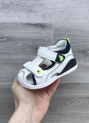 Белые босоножки сандали закрытые 21-26