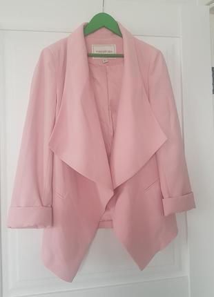 Брендовый стильный пиджак