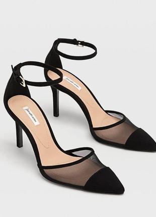 В наличии, ждать не нужно. новые туфли stradivarius