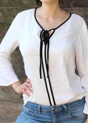 Біла блуза tu