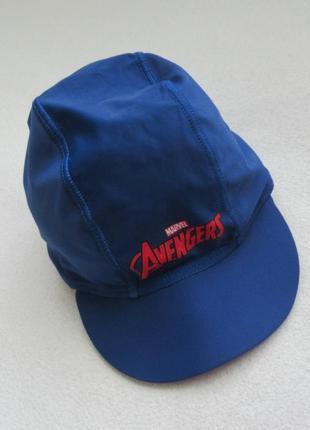 Солнцезащитная кепка для купания
