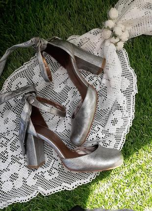 Туфли босоножки basic editions серебро натуральная кожа широкий каблук