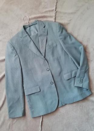 Серый классический мужской костюм vd one