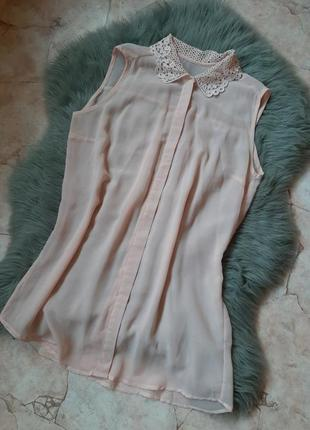 Нежнейшая пудровая шифоновая блуза с кружевным воротником