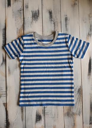 Яркая футболка морячка