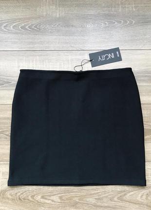 Базовая новая чёрная юбка от incity