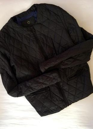 Крутая актуальная черная стеганная куртка massimo dutti легкая