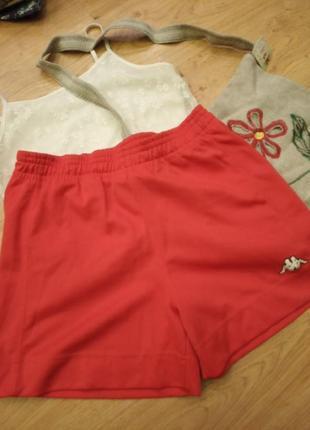 Жіночі спортивні шорти