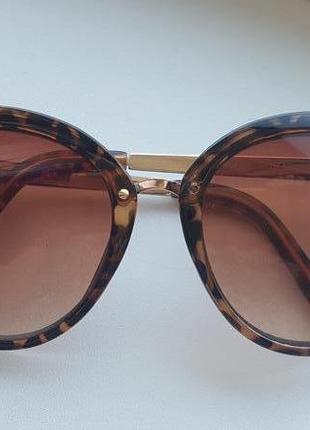 Солнцезащитные очки  steve madden