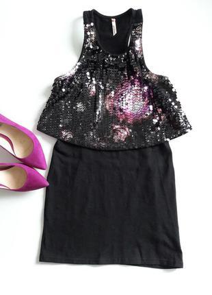 Черная удлиненая блуза ...декор паетки...