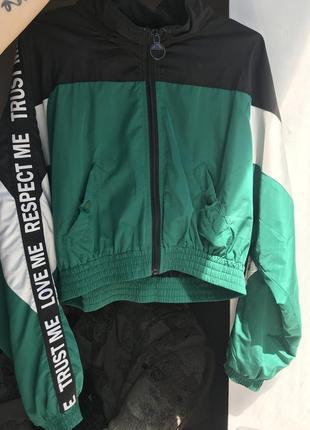 Куртка/ветровка многоцветная bershka , размер l, 300грн
