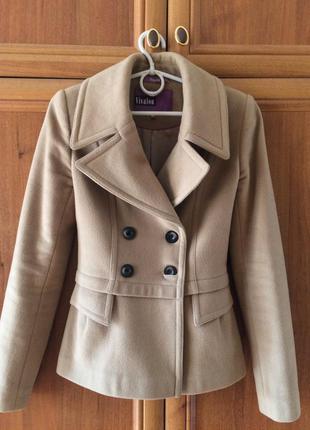 Отличное демисезонное пальто