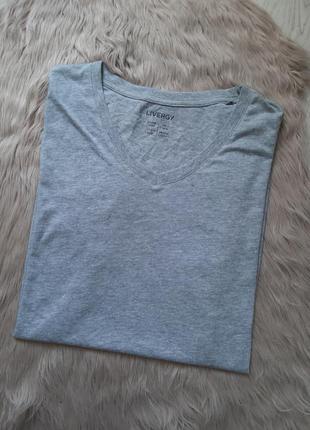 Однотонная летняя футболка с коротким рукавом livergy