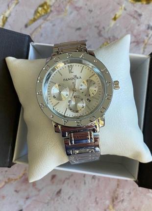 Стильные женские наручные часы в серебре