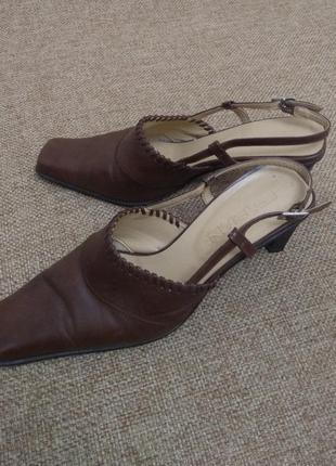 Женские фирменные туфли fabiani
