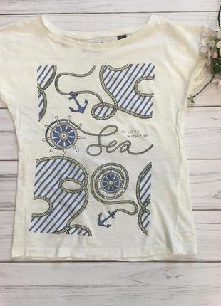 Белая футболка с морским принтом