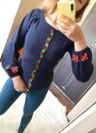 Рубашка вышиванка в национальном стиле