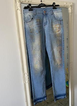 Стильные джинсы италия