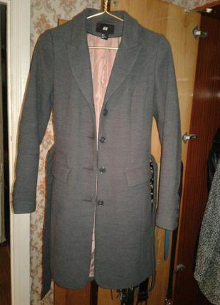 Изящное классическое пальто.